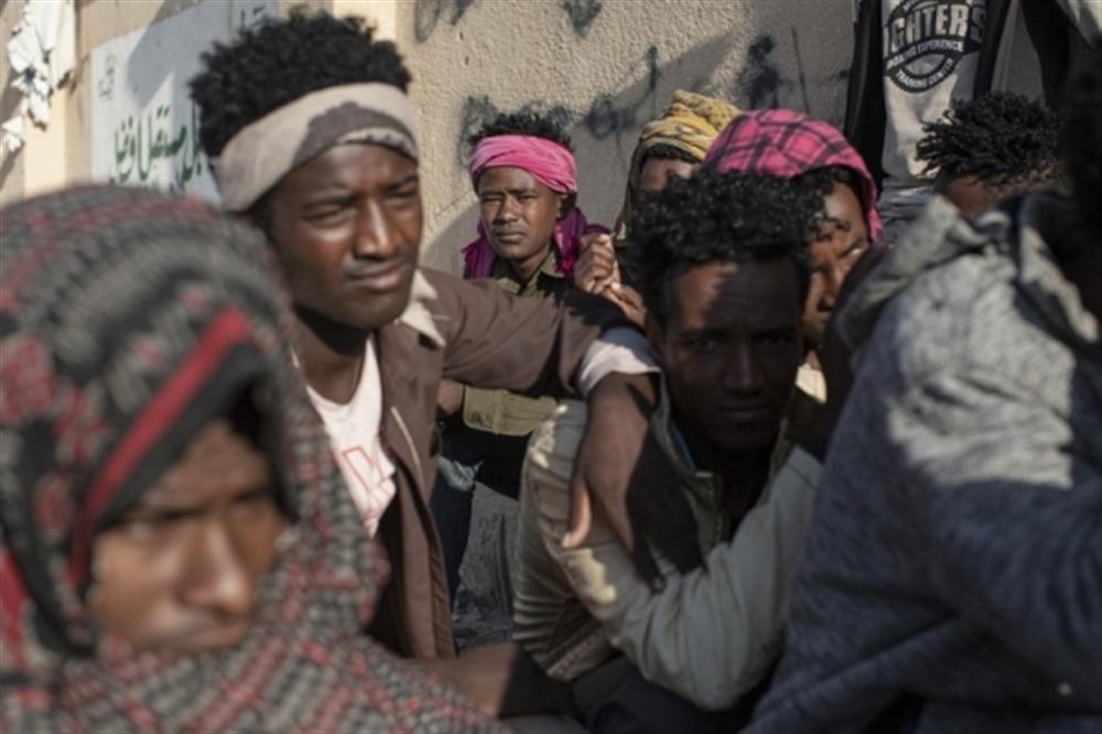 """13 منظمة تدعو لمحاسبة المسئولين عن """"حرق"""" مئات المهاجرين في صنعاء"""