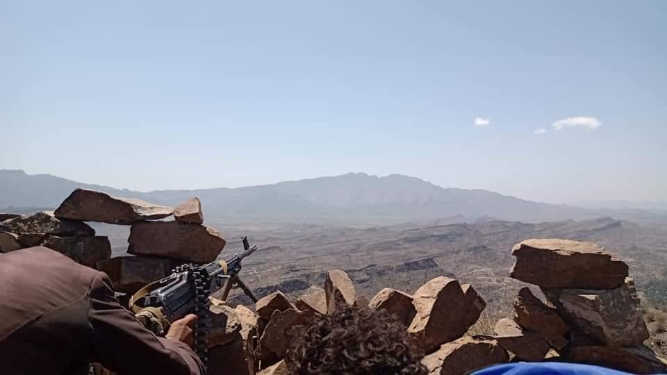 الجيش يحرر قرية جديدة في مقبنة بتعز