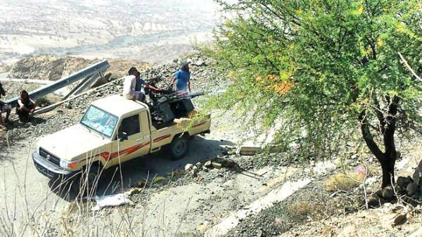 صد هجوم حوثي في جبهة ثره بأبين
