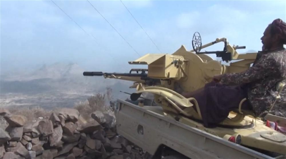 الجيش يهاجم مواقع المليشيات الحوثية في قعطبة بالضالع ويكبدها قتلى وجرحى