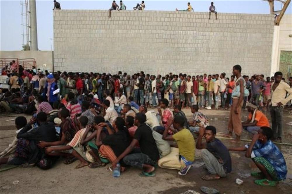 اتهامات لمليشيا الحوثي بإحراق عشرات المهاجرين الأفارقة أحياء بصنعاء
