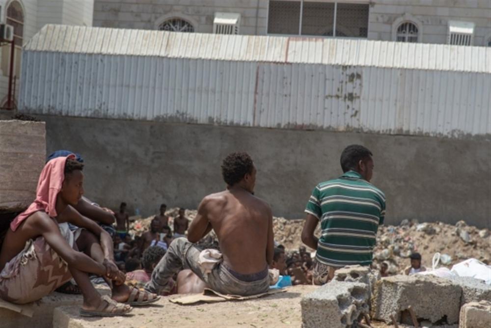 الحكومة تطالب بتحقيق دولي في حريق بمركز احتجاز مهاجرين بصنعاء
