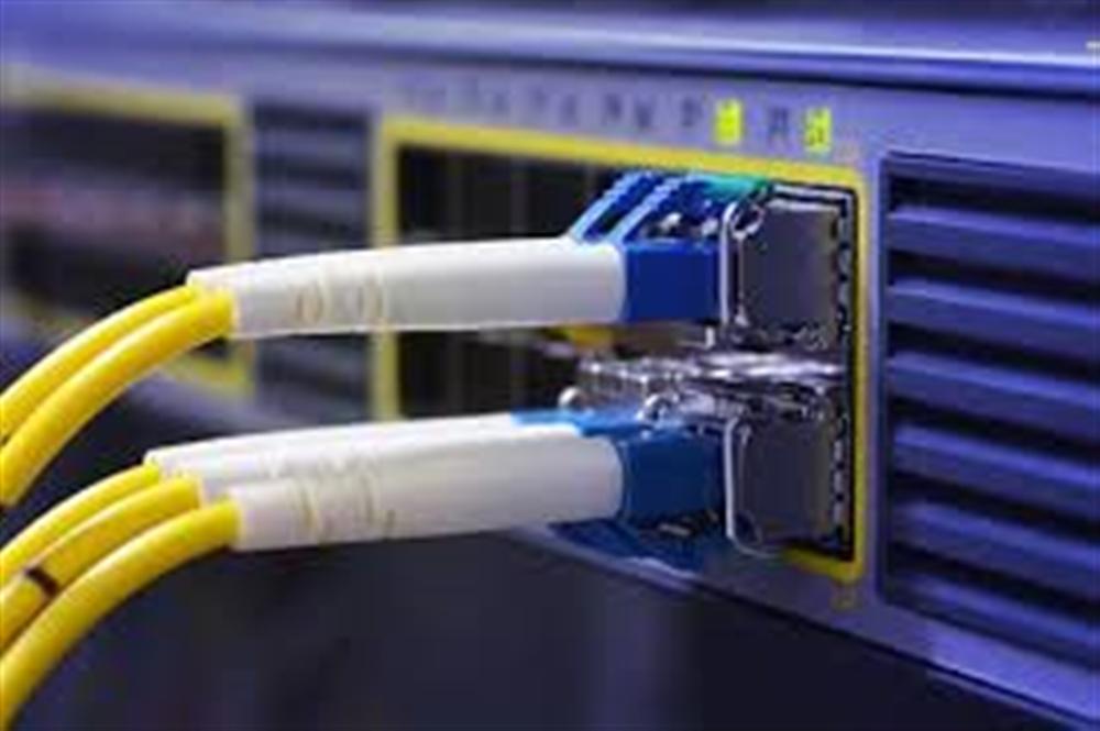 الحوثي يقطع خدمات الاتصالات والانترنت عن مارب