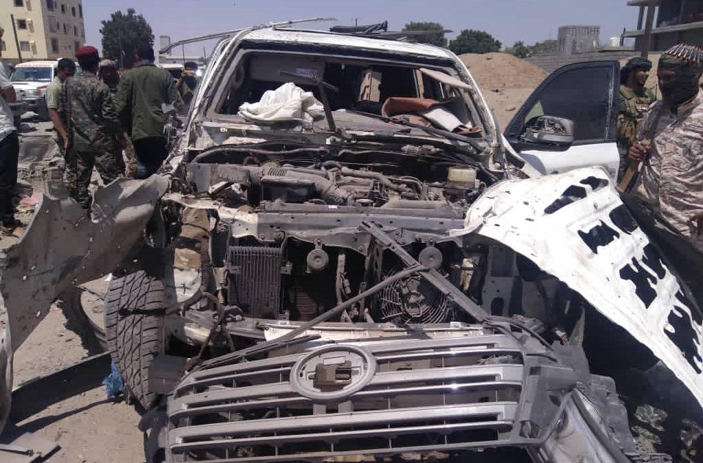 قتلى وجرحى جنود جراء إنفجار عبوة ناسفة استهدفت موكبا لقيادات أمنية في عدن