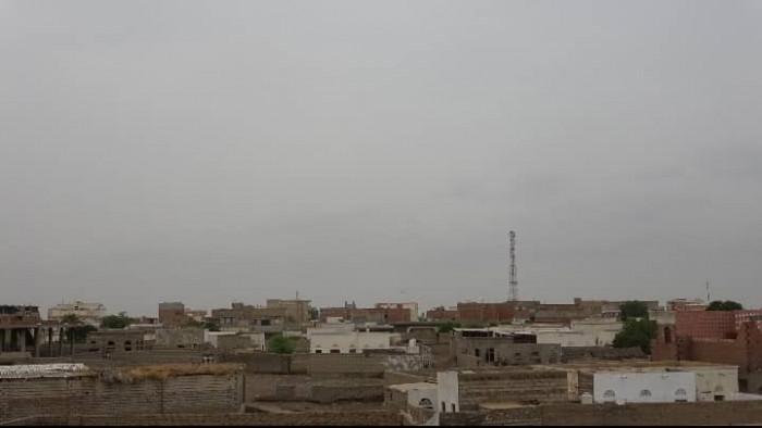 نيران حوثية تستهدف أعيان مدنية في التحيتا